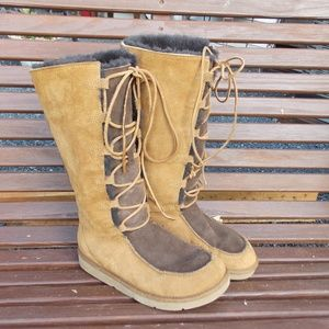 "UGG Australia ""Whitley"" 5230 Lace-up Boot Size 9"
